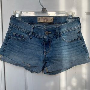 HOLLISTER LOW-RISE SHORTS 0/W24